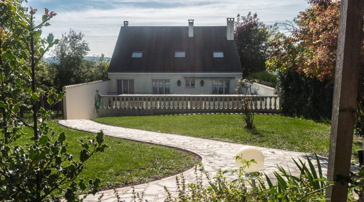 Image Triel-sur-Seine, Spacieuse maison avec vue imprenable sur les bords de Seine.