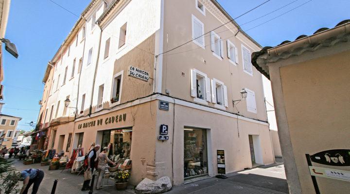 L'Isle-sur-la-Sorgue, Charmant 3 pièces de 63m2 en Centre-ville.