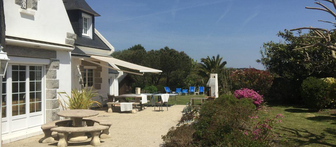 Image Penmarch, Belle propriété avec dépendance aménagée sur joli terrain arboré de 2100 m²