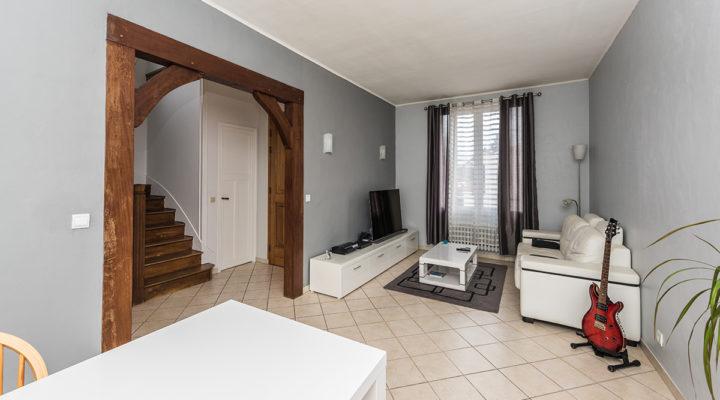 Image Corbeil-Essonnes, Jolie meulière sur sous-sol total avec dépendance attenante