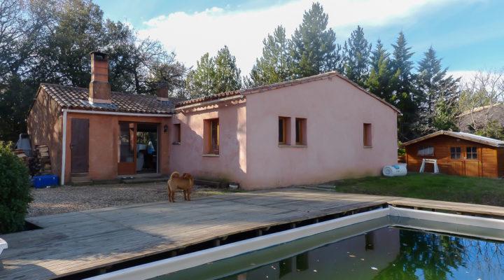 Roussillon, Villa de plain-pied de 99m2 sur 1800m2 de terrain sans vis-à-vis