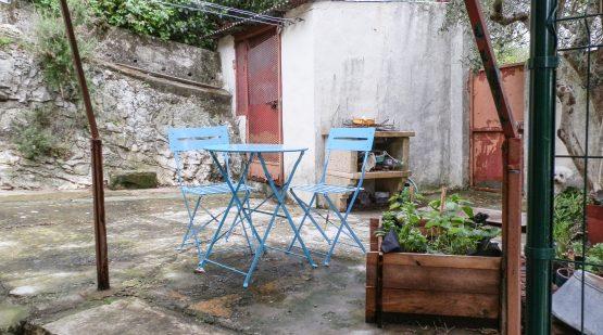 Vente - Orgon, Jolie maison de village avec courette - Effectimmo