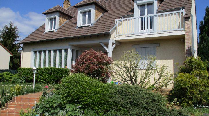 Image Saint-Germain-lès-Corbeil, Spacieuse Maison familiale sur sous-sol total dans un secteur calme
