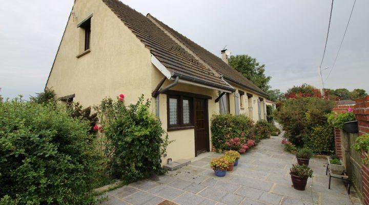 Proche Chaumont-en-Vexin, Maison 6 pièces de 150m2 avec dépendance de 67m2