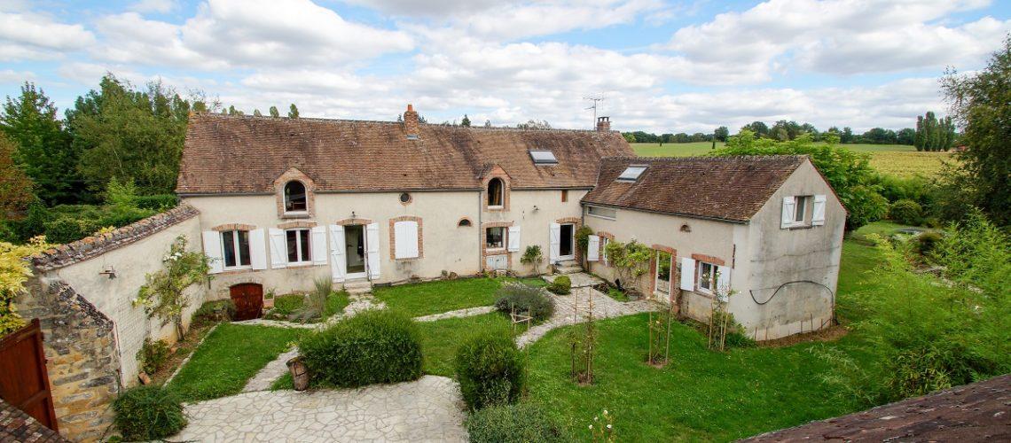 Image Fontainebleau, Propriété de caractère avec grange habitable et piscine couverte