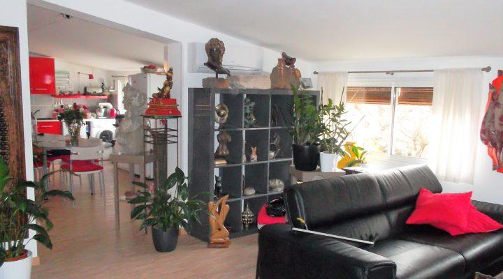 Image Proche Carpentras, Beau 2 pièces de 65m² avec 60m² de bureaux