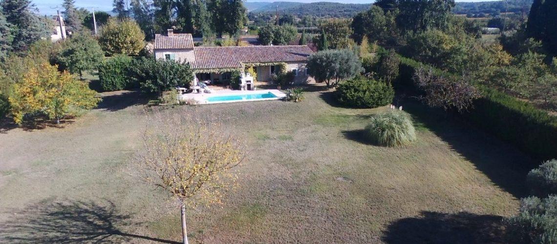 Image Proche L'Isle-sur-la-Sorgue, Spacieuse villa provençale en pierre