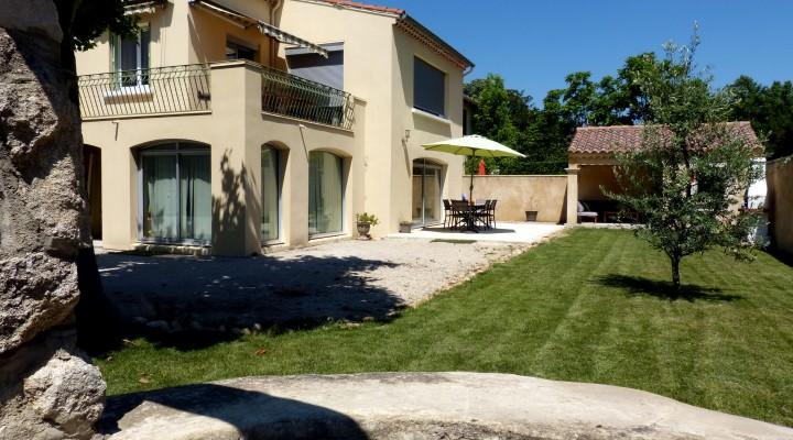 Morières-lès-Avignon, Beau 5 pièces avec jardin privatif de 300m2