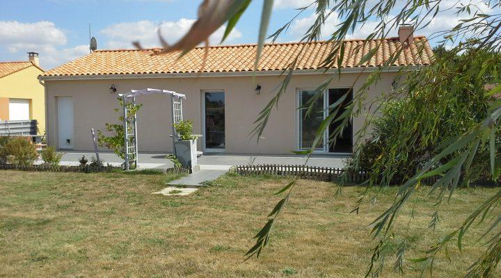 Corcoué-sur-Logne, charmante maison de plain-pied sur terrain de 720m2