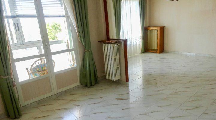 Miramas, spacieux appartement 4 pièces avec vue dégagée