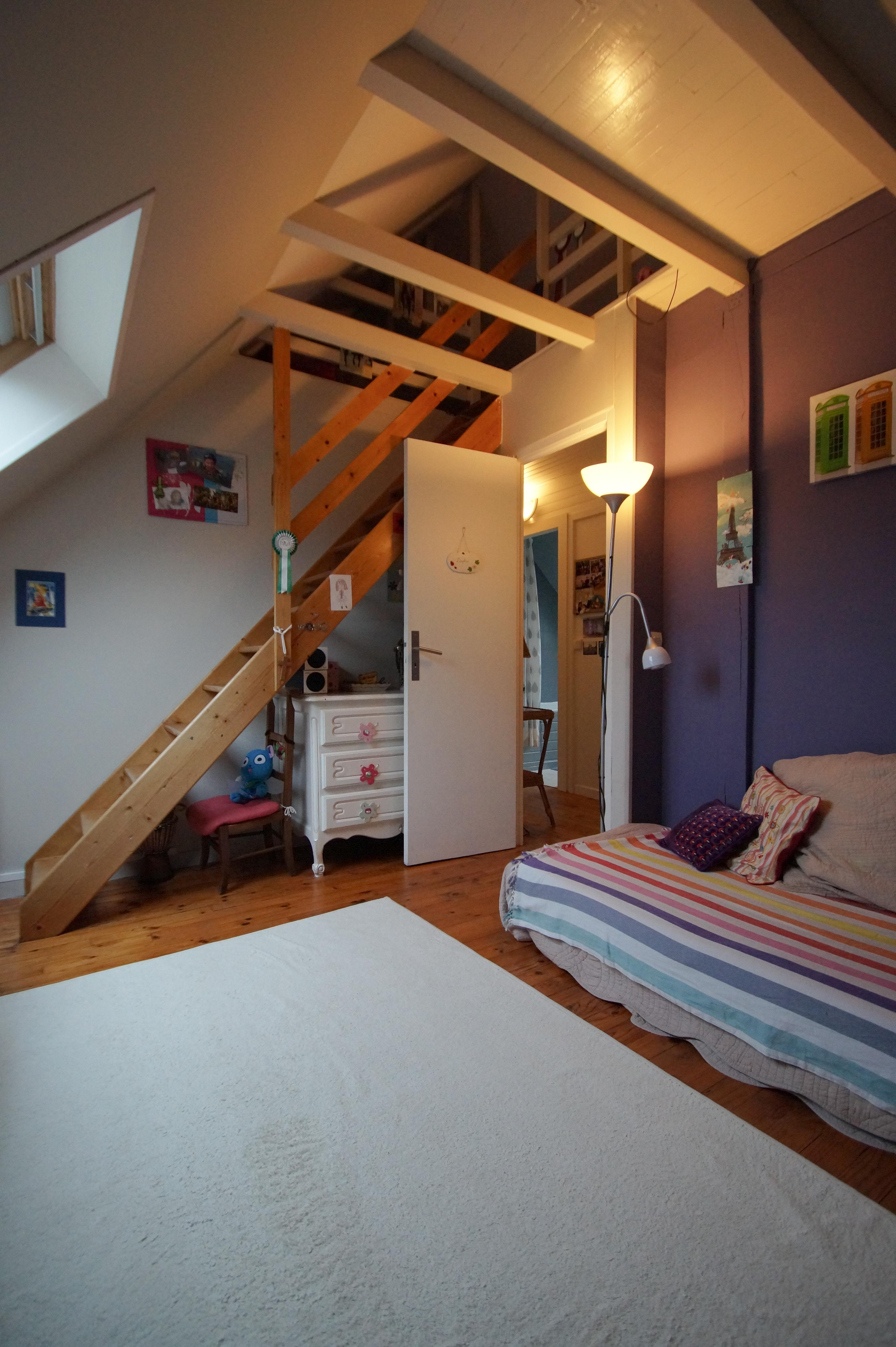amenagement sous sol en chambre 1 004 des ides cocooning pour le soussol maison parfait. Black Bedroom Furniture Sets. Home Design Ideas