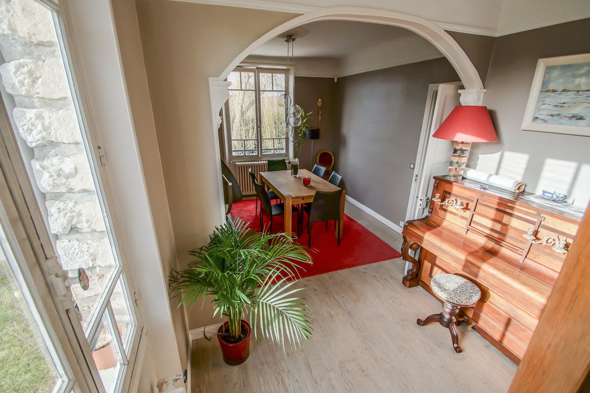 Vendu maison de charme avec studio ind pendant samoreau for Maison samoreau