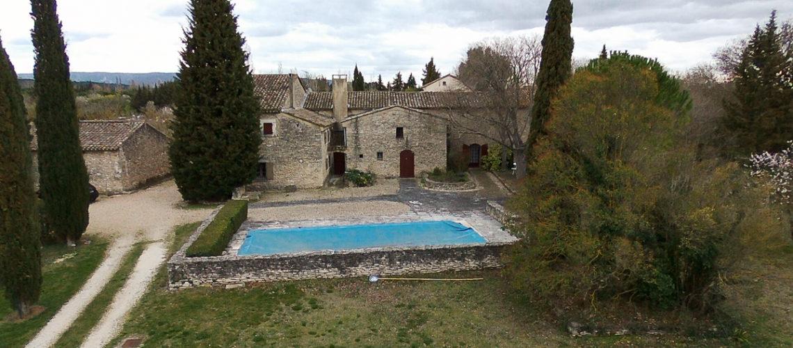 Image L'Isle-sur-la-Sorgue, Magnifique mas en pierre du 18ème avec piscine