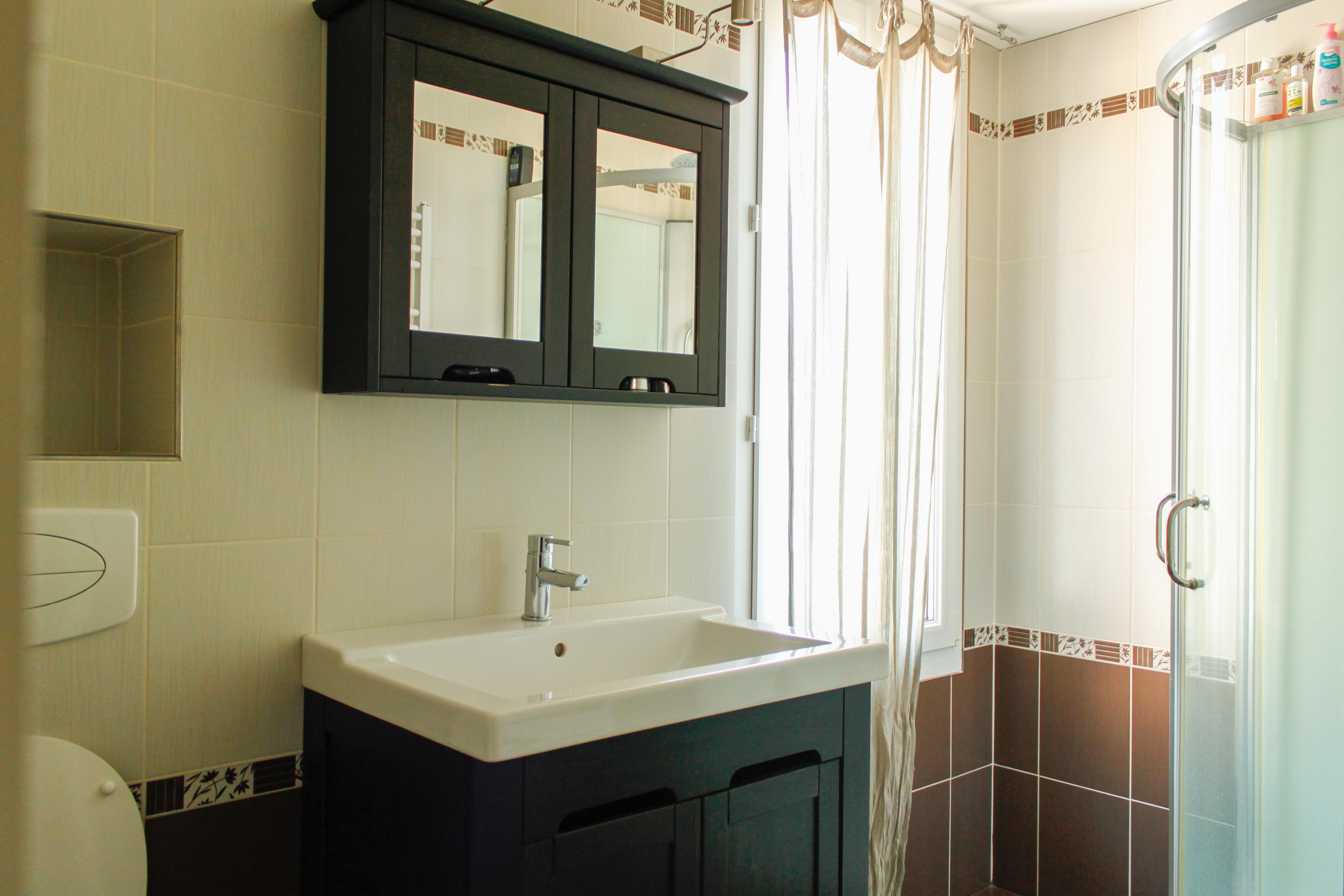 chambre avec sdb et dressing simple chambre design avec dressing et salle de bain luintrieur. Black Bedroom Furniture Sets. Home Design Ideas