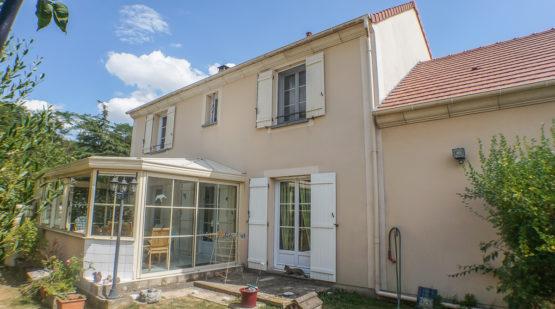 Vendu maison 4 chambres avec jardin, Neuville - Effectimmo