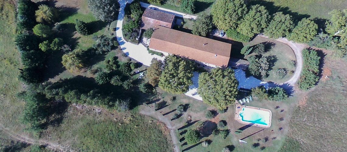 Image Plan-d'Orgon, Vaste Mas de 460m² avec dépendances et piscine