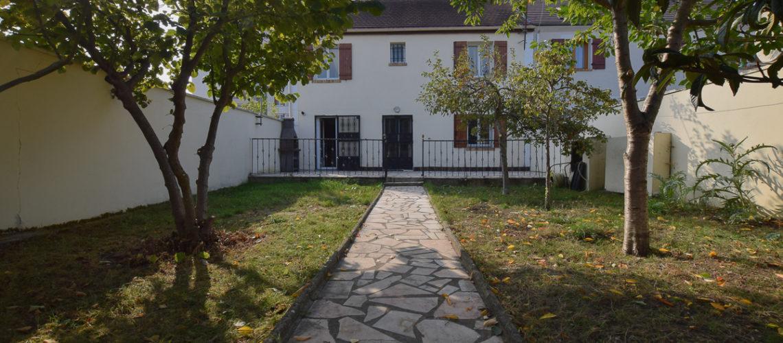 Image Saint-Ouen-L'Aumône, Grande maison familiale avec jardin arboré