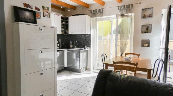 Image Parcieux, Charmante maison avec terrasse et jardinet