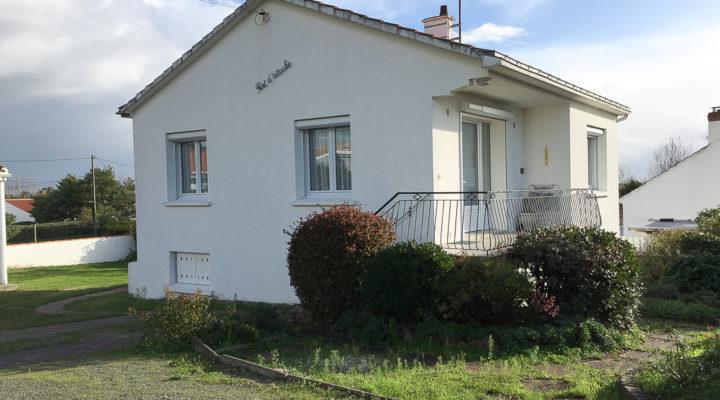 Notre-Dame-de-Monts, Ensemble immobilier 160m2 avec 2 maisons, 1 dépendance semi-aménagée, 2 bâtiments.