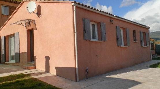 Vente maison plain-pied 90m2 avec revenus solaires Villars - Effectimmo
