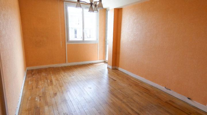 Clermont-Ferrand, Lumineux appartement de 4 pièces avec balcon