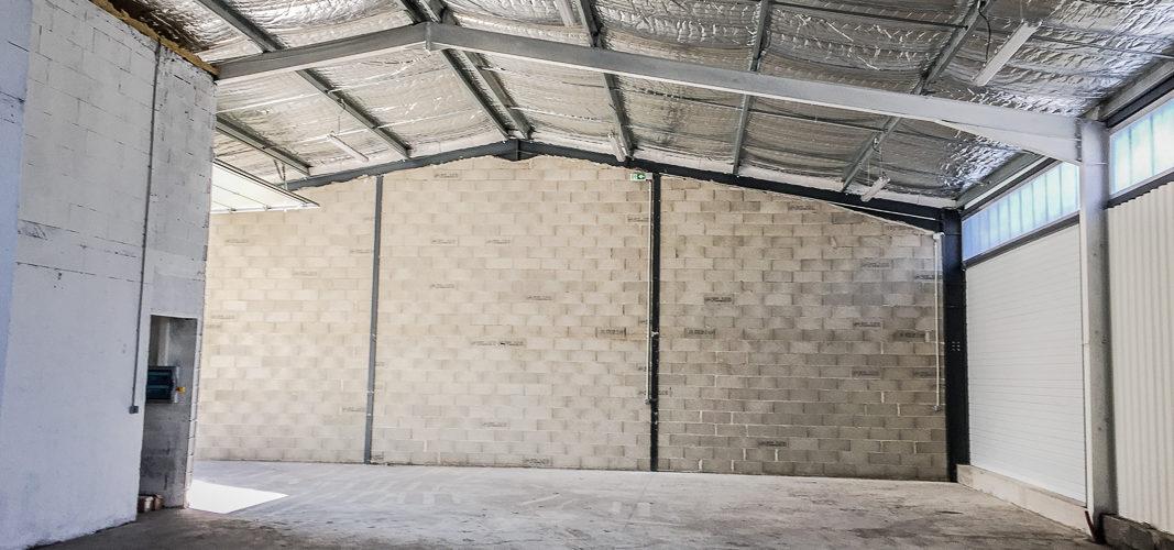 Image Proche Carpentras, Entrepôt de 200m2 refait à neuf