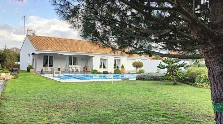 Image Saint-Jean-de-Monts, Belle villa plain-pied de 125m2, avec piscine, entre plage et forêt