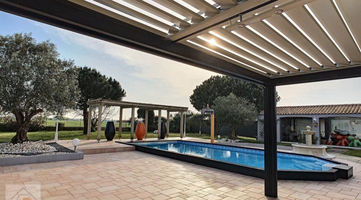 Beauvoir-sur-Mer, Villa de standing de 250m2 au calme, avec piscine, à 10mn des ports