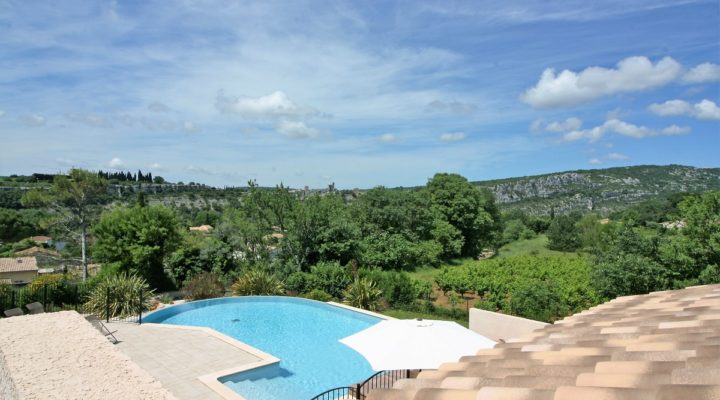 Saint-Martin-d'Ardèche, Maisons et Appartements 2 Pièces meublés, climatisés et équipés.